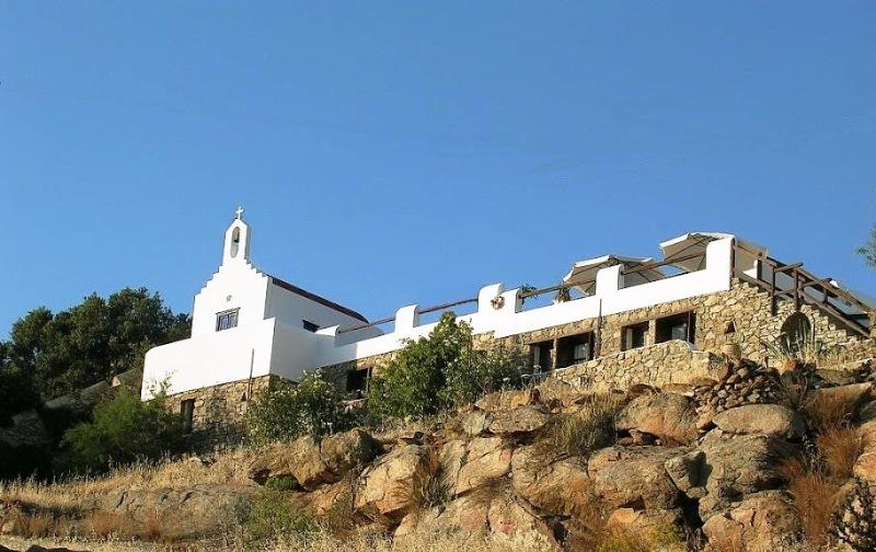 La Veranda Of Mykonos Traditional Guesthouse   Rooms | Studios | Apts